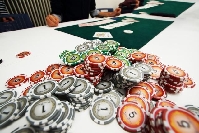 オンラインカジノで遊べる各ゲーム(ライブカジノ)の必勝法
