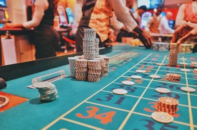オンラインカジノに慣れていないのに、ハイレートゲームで遊ぶのはダメ!