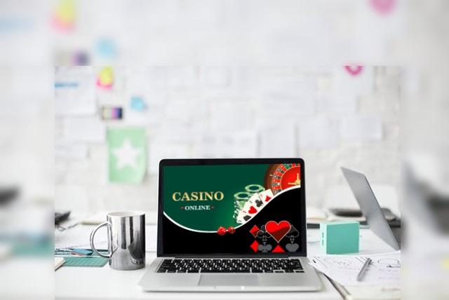 オンラインカジノは副業に向いている!